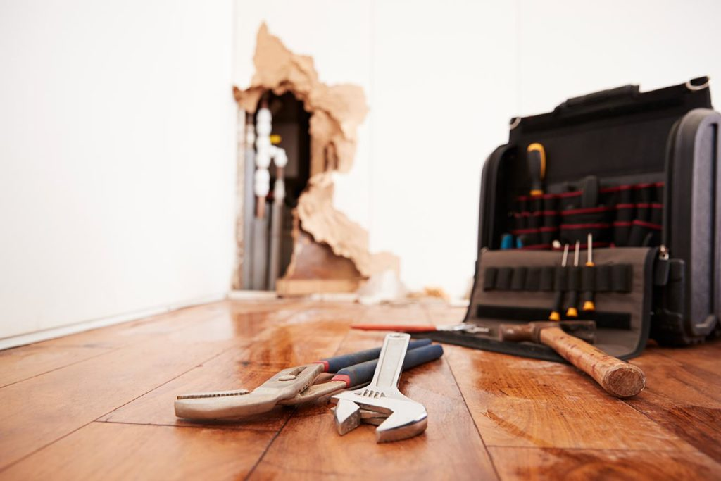 foreclosed homes come with risks